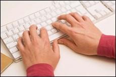 Компьютер клавиатурасидаги белгилар инглиз тилида қандай номланади?