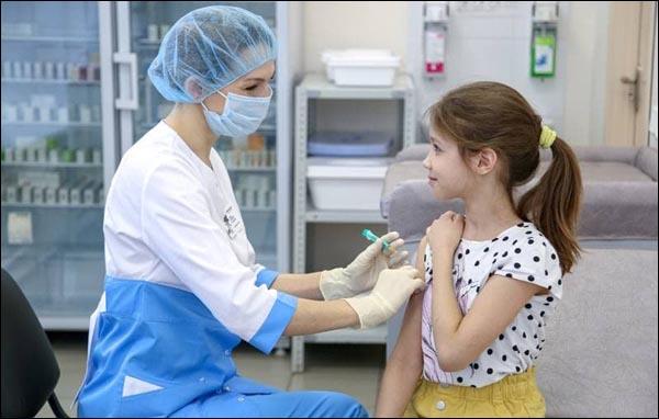 Вакцинация детей в Узбекистане